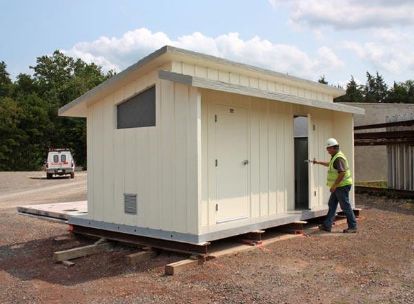 AP-Hill-Easi-Set-Sierra-Outback-restroom