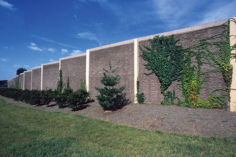 1981 - First SoundWall system introduced