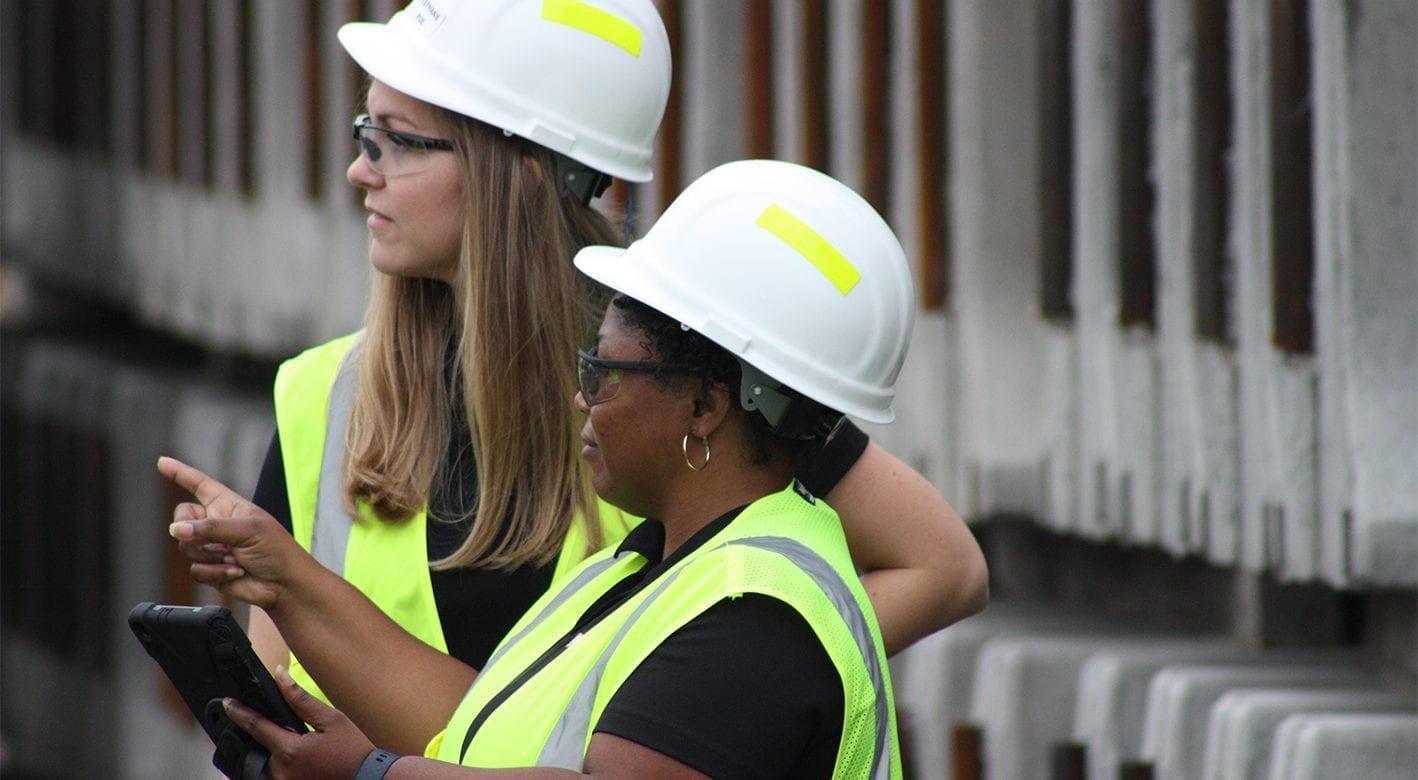 Smith Midland associates coordinating project logistics